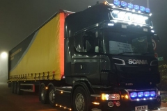 Mick-Aldridge-Scania-R620-curtainsider-with-lights-on
