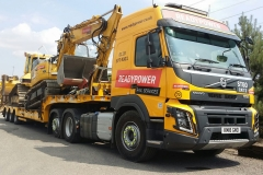 Readypower-Rail-Services-Volvo-FMX-with-Low-Loader-and-Machines-on-Back
