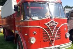 Vintage-Foden-Gardner-Truck-British-scaled