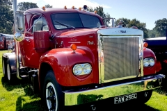 Vintage-Mack-Truck-Tractor-Unit-scaled