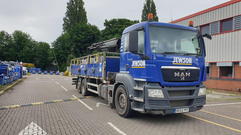 JEWSON-MAN-Rigid-Crane-Truck