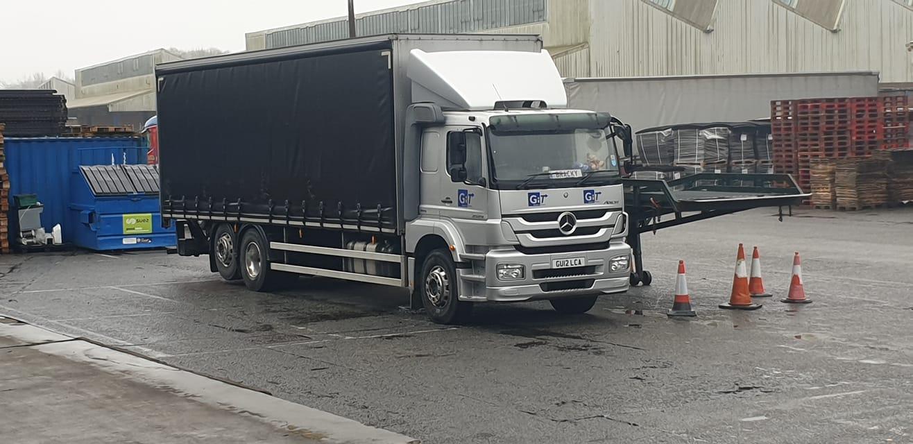 GIT Mercedes 6 wheel Curtainsider Rigid truck with lift axel