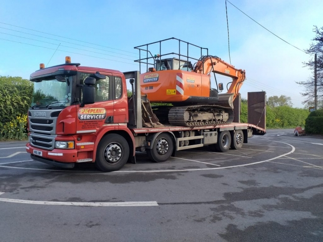 PJC Plant Services Scania
