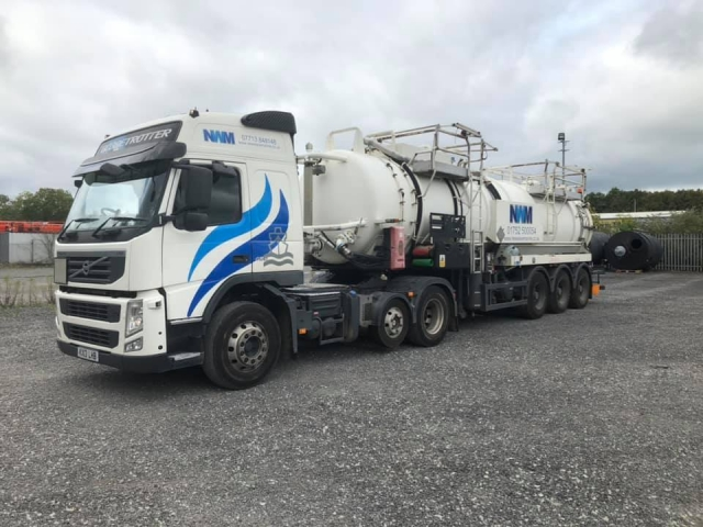 New Wave Marine Volvo with 27000ltr Combination tanker